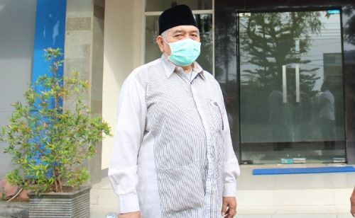 BERJASA: KHARISMATIK: Almarhum KH. Nuruddin A. Rahman seusai diskusi tentang provinsi Madura di kantor JPRM pertengahan Oktober 2020.