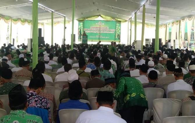 Ketua Rais Syuriah PC NU Kabupaten Mojokerto KH Chusaini Ilyas saat membuka acara Konfercab.