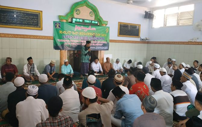 Ratusan narapidana Lapas Mojokerto saat mendengarkan ceramah KH Abdul Adzim Alawy saat peringatan Maulid Nabi SAW.