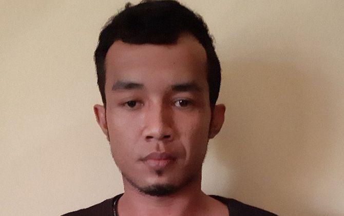 Tersangka Teguh Imam Prasetyo saat diamankan di Mapolres Mojokerto.