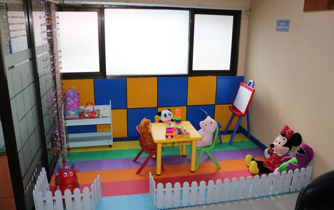 Ruang taman bermain anak yang disediakan KPPN Mojokerto.