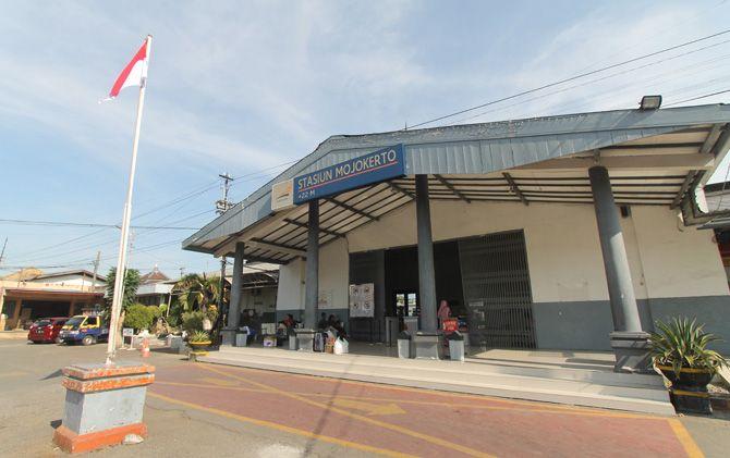 Wajah Stasiun Mojokerto kini di Jalan Bhayangkara, Kota Mojokerto.