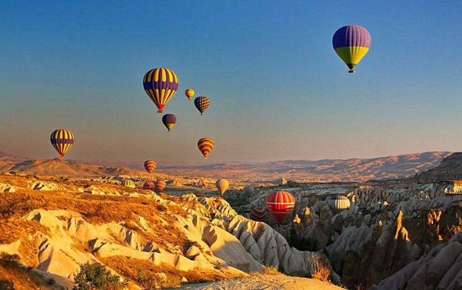 Cappadocia menjadi representasi keindahan Turki. Tempat ini benar-benar menawarkan keindahan alam yang tiada tara.