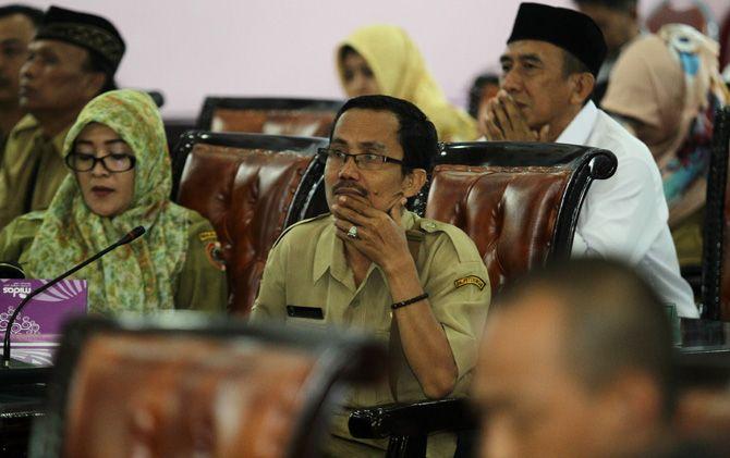 AKD Kabupaten Mojokerto saat mengikuti hearing aturan pilkades serentak di DPRD Kabupaten Mojokerto, Senin (5/8).