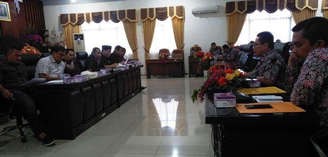 Perkembangan Dana Kelurahan di Kota Mojokerto menjadi sorotan DPRD kota dalam rapat dengar pendapat.