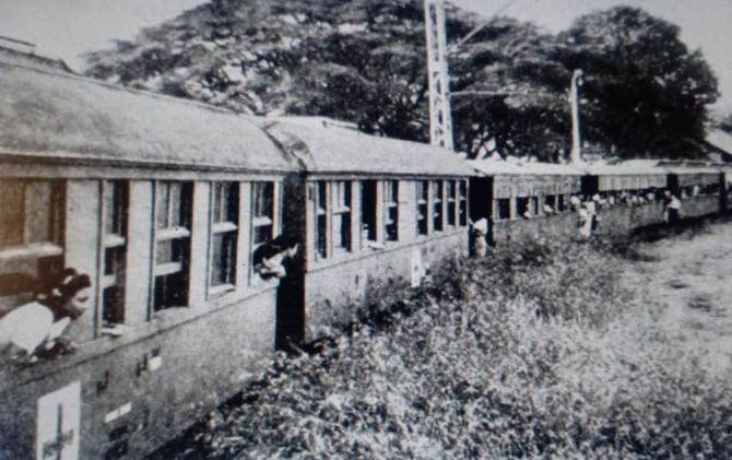 Pengungsian korban perang dari Surabaya pada 10 November 1945.