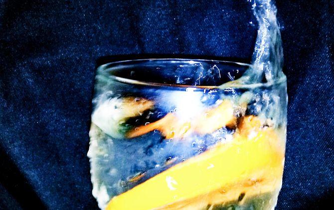Orange Water karya Miftachur Rozak.