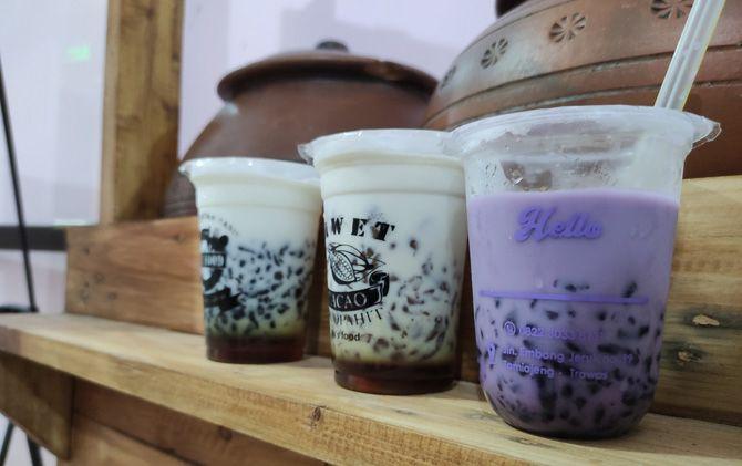 Tiga varian rasa es dawet buatan Ifa Novika.