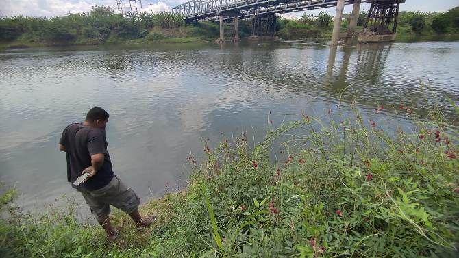 Korban ditemukan di aliran sungai brantas, di Desa Ngrame, Kecamatan Pungging, Minggu (12/9).