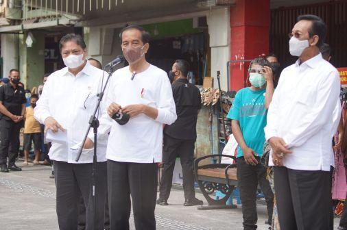 Menko Airlangga Dampingi Presiden Joko Widodo Memulai Program BT-PKLW