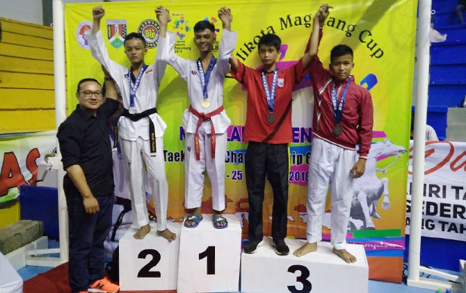 Taekwondoin Kota Solo sukses menjadi juara di kejuaraan Magelang Cup VI.