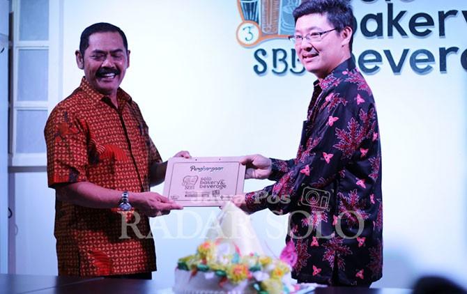 Wali Kota Surakarta, F.X. Hadi Rudyatmo hadir di Solo Bakery and Beverage di Solo Paragon Lifestyle Mall.