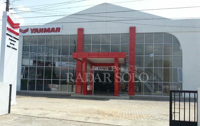 Bangunan showroom Yanmar di Jalan Raya Solo-Jogja, tepatnya di Prambanan.