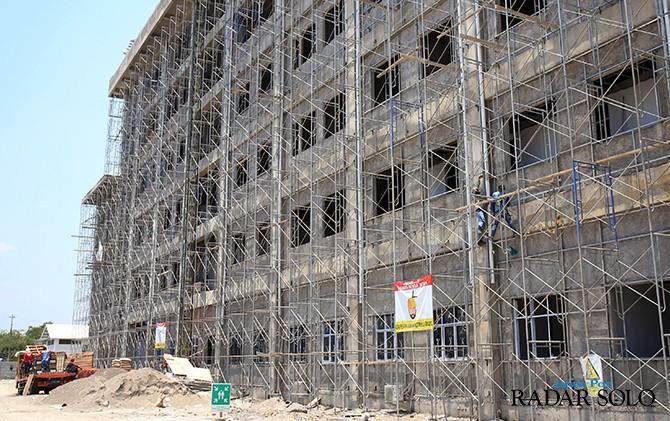 LAYANAN UMUM: Proyek RSUD Semanggi ditarget akan selesai tahun ini.