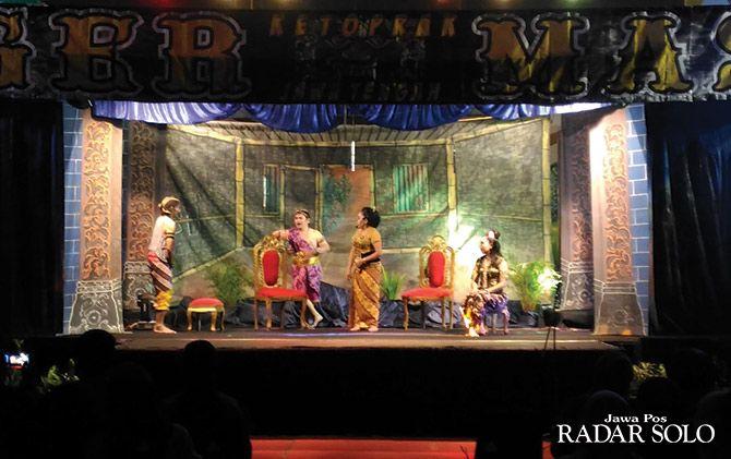 TEPAT SASARAN: Pertunjukan Seni Kethoprak digelar di Dome Boyolali, Minggu malam (11/11).