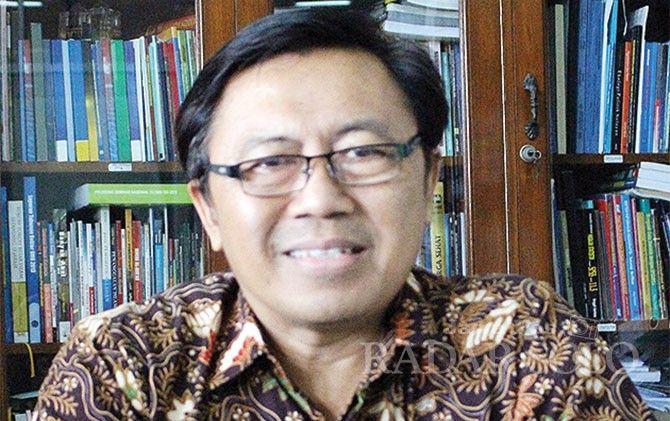 H. Priyono, Wakil Dekan Fakultas Geografi UMS dan Ketua Takmir Masjid Al-Ikhlas Klaten Selatan.