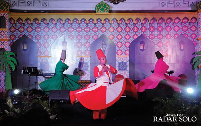 MIDLE EAST: Sufi Dance tampil di Magical Night Novotel Solo.