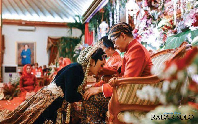 DIPERCAYA MASYARAKAT: Pernikahan nuansa Jawa di KSPH.