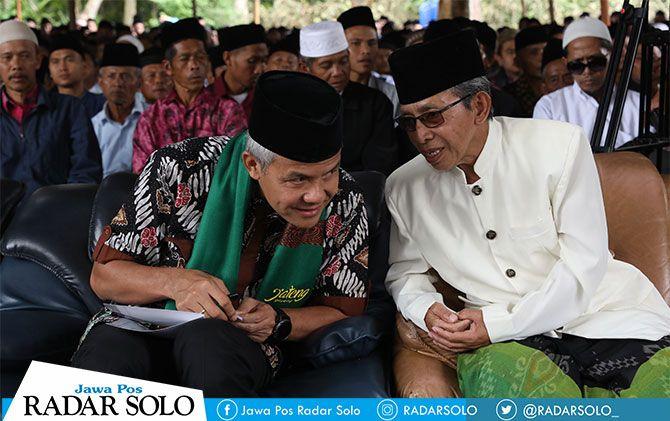 Gubernur Jateng Ganjar Pranowo hadiri haul KH Abdul Malik ke-31 di Pondok Pesantren Al Mina, Bandungan, Kabupaten Semarang.