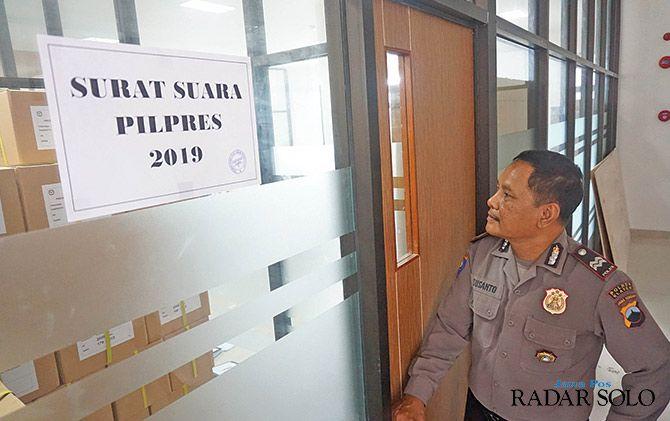 DIJAGA: Ruang penyimpanan surat suara di KPU Klaten.