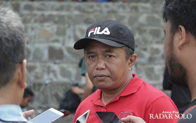 Coach AY: Soal Akusisi Perseru, Ada Untung dan Rugi