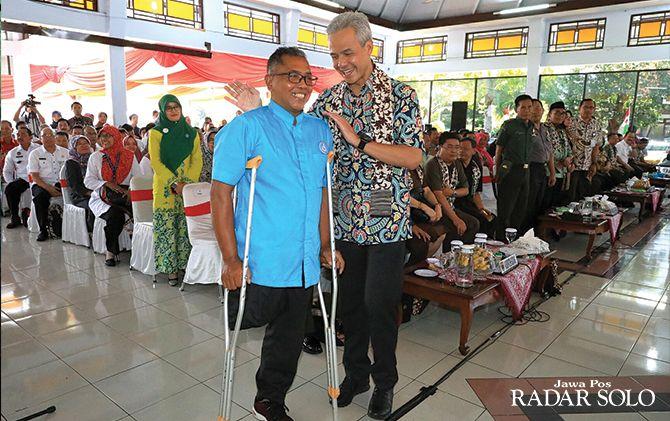 BERSAHABAT: Disabilitas bersua Gubernur Ganjar Pranowo di Kabupaten Batang, Rabu (13/3).