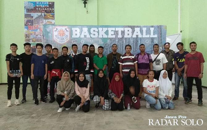 TEGANG: Peserta technical meeting Heritage Basketball Competition, di Heritage Palace, kemarin.