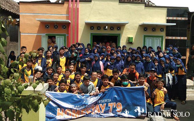 BERKARAKTER: Murid SMP Muhammadiyah PK Solo ikuti kegiatan di Segaran, Delanggu ,Klaten.