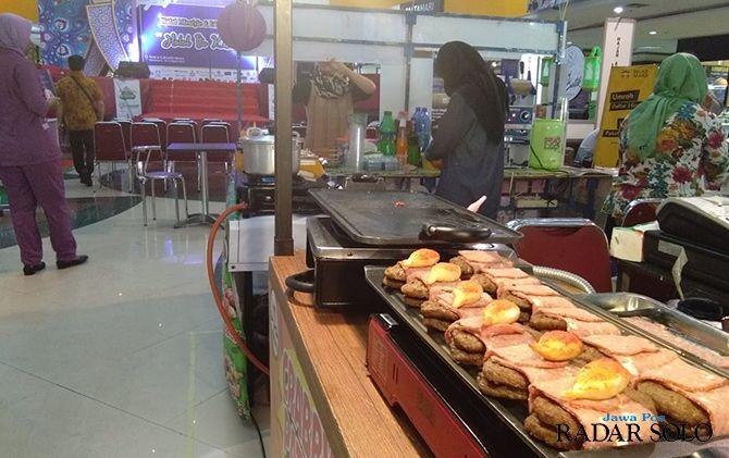 JANGAN LEWATKAN: Event Halal Lifestyle dan Edu Expo di atrium utama Solo Grand Mall.