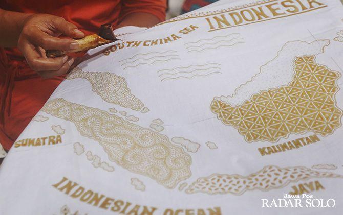 PROMOSI DAN EDUKASI: Pelaku UMKM batik tulis bakal mengikuti ajang Inacraft 2019 di Jakarta.