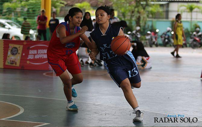 PEMBINAAN: Momen kejuaraan bola basket 3x3 yang digelar di GOR Mikael Solo beberapa waktu lalu.