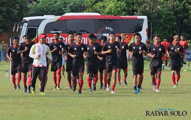Lawan Sriwijaya FC, Persis Lirik Stadion Trikoyo Klaten