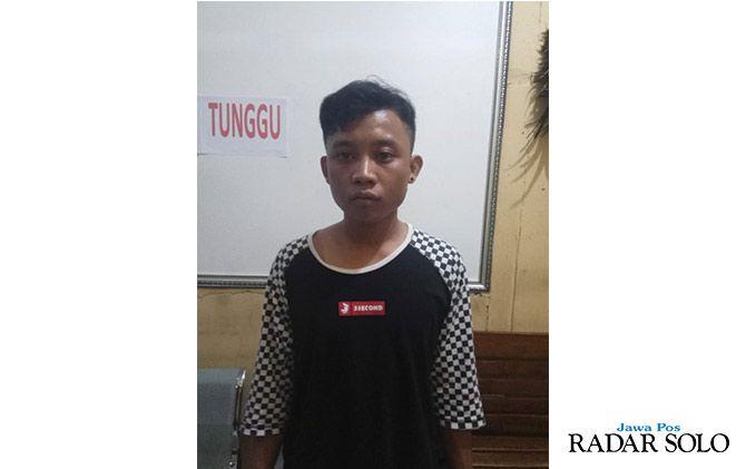 MEMILUKAN: Rio Aswari yang ditangkap karena mengedarkan narkoba jenis sabu.