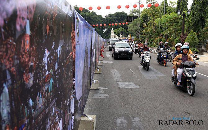 POTENSI MACET: Proyek Jalan Jenderal Sudirman Gladak dihentikan selama libur Lebaran.