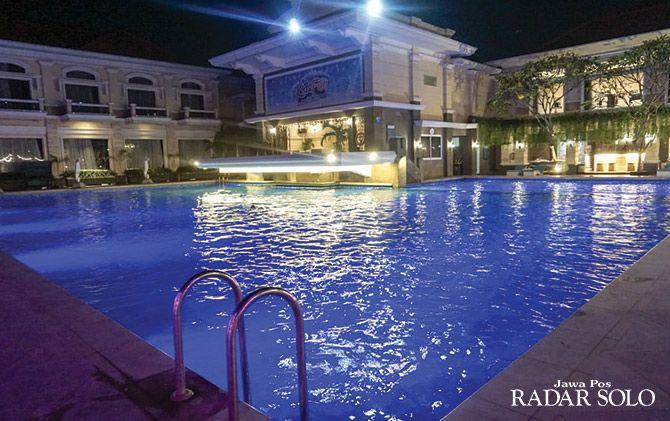 MAINTENANCE: Apsara Pool Adhiwangsa Hotel.
