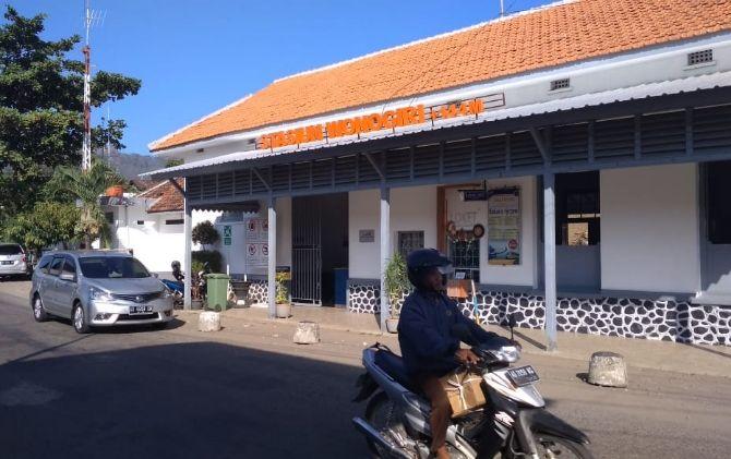 Sudah dua pekan KA Bathara Kresna tak menyambangi Stasiun Wonogiri karena rusak dan mogok beroperasi