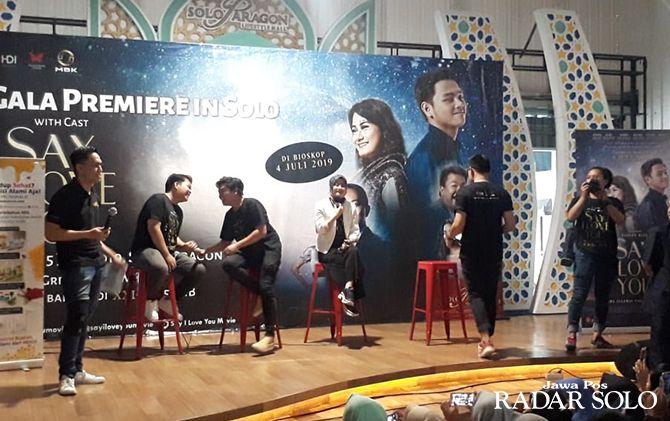 HEBOH: Suasan meet and greet pemeran film Say I Love You di food court Solo Paragon Lifestyle Mall, Sabtu (15/6).