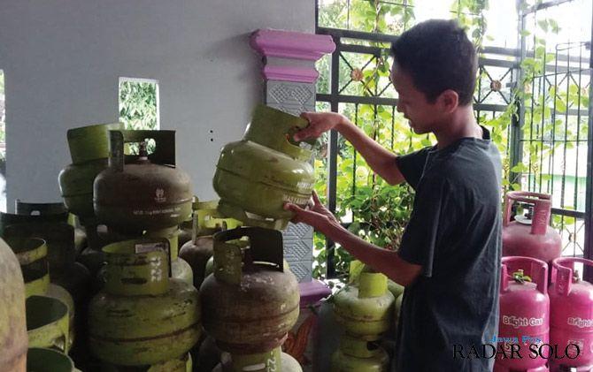 MENDESAK: Gas elpiji 3 kilogram mulai sulit dicari.