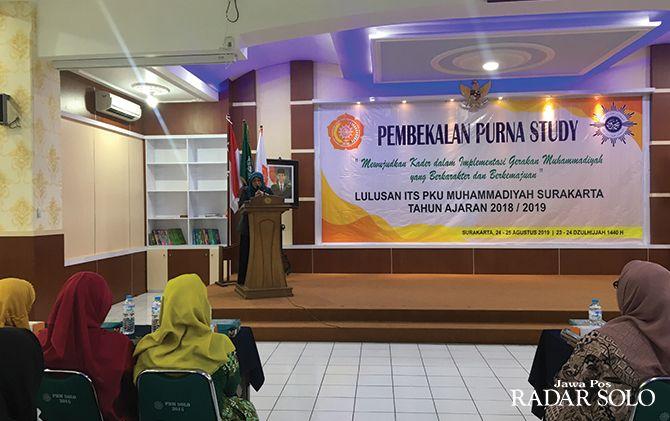 RUTIN: Pembakalan bagi lulusan ITS PKU Muhammadiyah Surakarta.