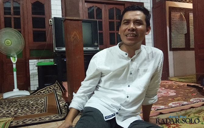 TENTUKAN SIKAP: Ketua DPC Partai Demokrat Sragen Budiono Rahmadi menegaskan dukungan terhadap Yuni-Dedy.