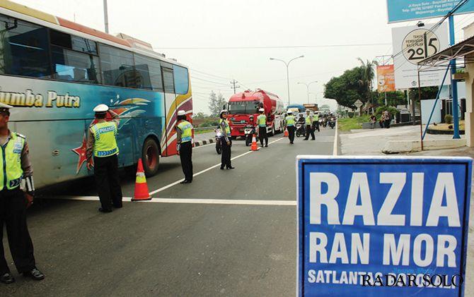 INTENSIF: Jajaran Saltantas Polres Boyolali menggelar Operasi Zebra Candi 2019 di Jalan Solo-Semarang.