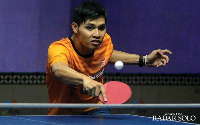 POTENSIAL: Salah satu atlet peserta Kejurnas NPC Indonesia 2019 dari cabor tenis meja.