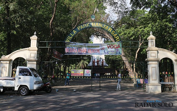 BERSIH: Taman Monumen 45 Banjarsari yang menjadi salah satu kawasan tanpa rokok.