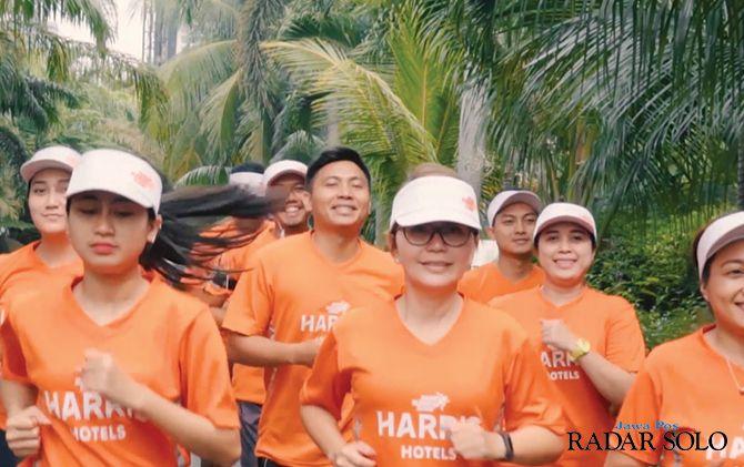AGENDA RUTIN: Lomba lari yang digelar Harris Hotel.