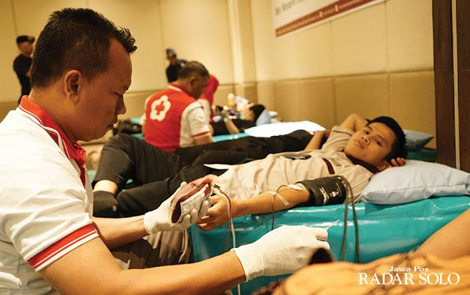 SOSIAL: Donor darah di Best Western Premier Solo Baru.