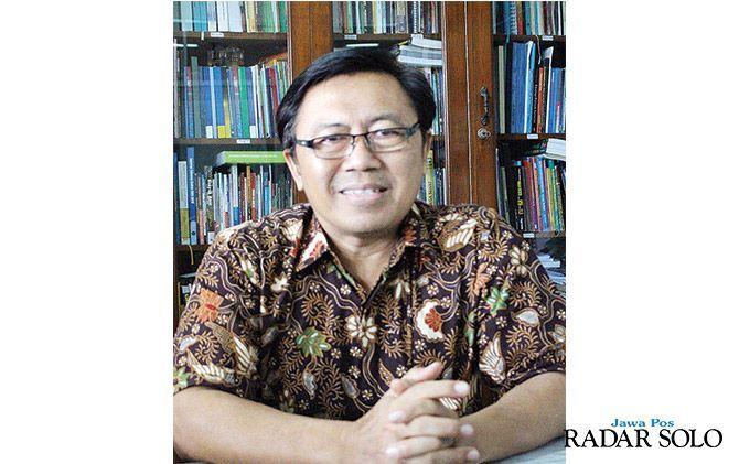 H. Priyono, Takmir Masjid Al-Ikhlas Klaten Selatan, Wakil Dekan I Fakultas Geografi UMS