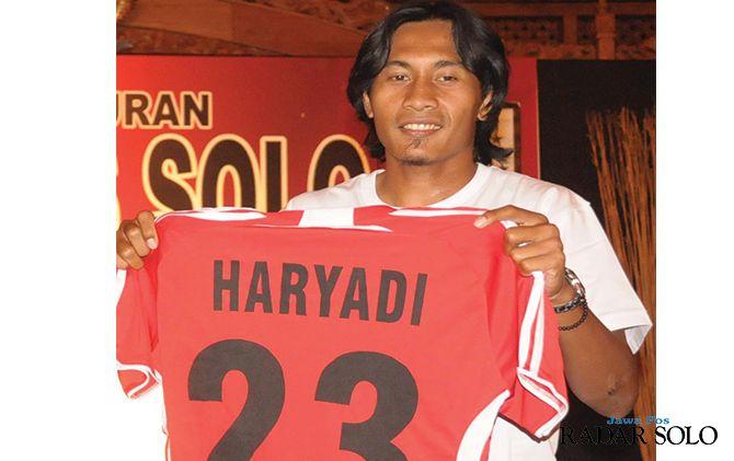 Haryadi Poethoel saat menjadi bagian dari skuad Persis di musim 2009.