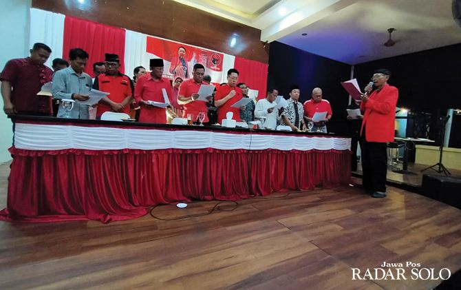 KOMPAK: Pernyataan sikap dukungan Relawan Kawal Sukoharjo kepada pasangan Henry Indraguna-Puguh Sutarto.