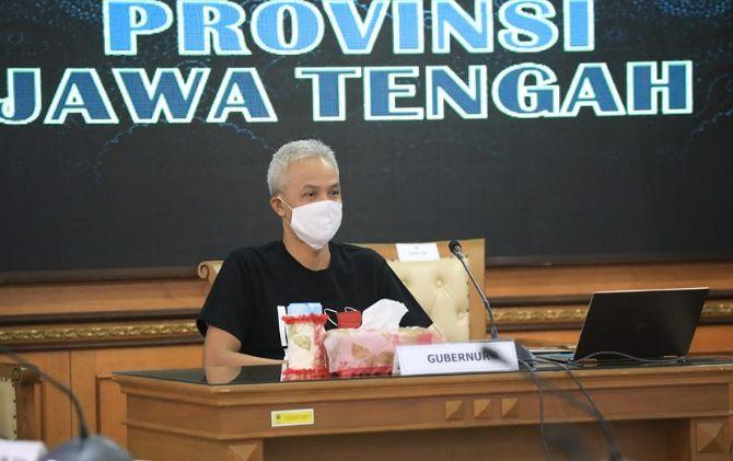 Gubernur Jateng Ganjar Pranowo mengusulkan agar penyaluran bansos bisa lebih luwes.