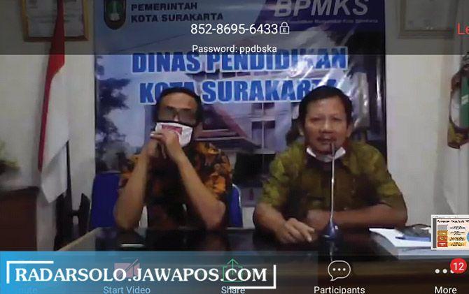 Tangkapan layar Disdik Kota Surakarta saat sosialisasi PPDB online melalui video conference bersama sejumlah wali murid.